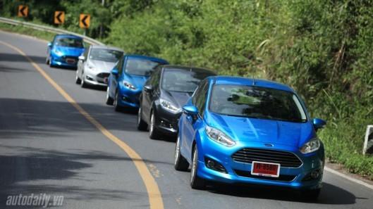 xe-hơi, ô-tô, thuế, nhập-khẩu, thuế-trước-bạ, phí, xe-nguyên-chiếc, lắp-ráp, dòng-xe, siêu-xe, xế-hộp