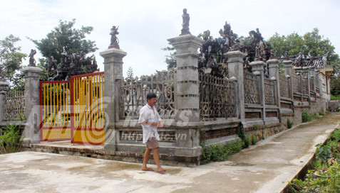 Đại gia Kiên Giang: Xây lăng mộ 3000 lượng vàng cho cha mẹ