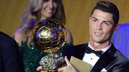 'Bí mật' đằng sau quả bóng vàng thứ 2 của Ronaldo