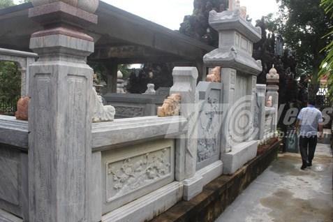 lăng-mộ, nhà-cõi-âm, tiền-tỷ, quan-tài, dát-vàng, Hà-Mỹ-Suông, Kiên-Giang, hội-đồng-suông