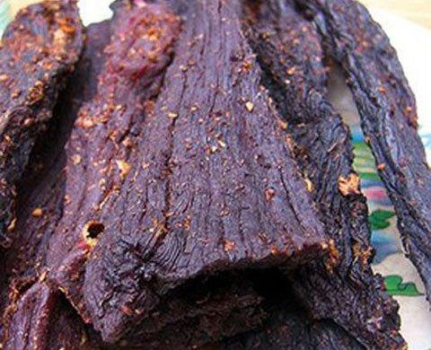 Mốt thịt gác bếp nhắm rượu Tây: Cháy hàng mùa Tết