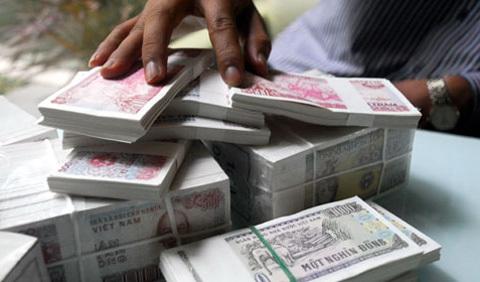 Đổi tiền lẻ: tiền chênh lệch gấp 2,4 lần