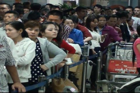 sân bay, kẹt cứng, đông, tắc, quá tải, Tân Sơn Nhất,