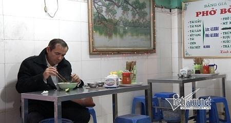 Đại sứ mê phở và ngắm phố Hà Nội