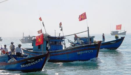 Rộn ràng Lễ ra quân đánh bắt cá đầu năm
