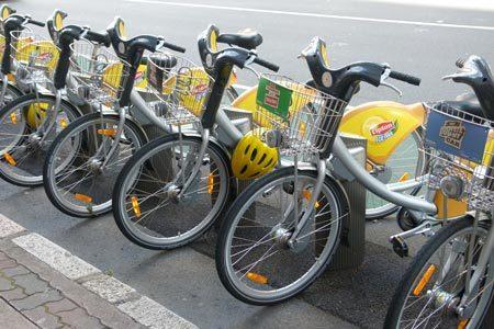 Hà Nội: Lần đầu tiên cho thuê xe đạp công cộng