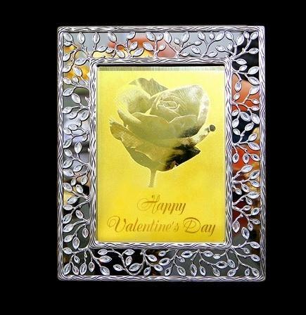 Thiệp Valentine dát vàng 6 triệu đồng