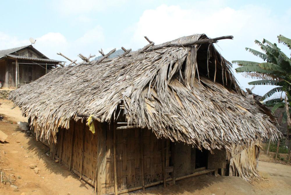 học sinh miền núi, cơm trắng, thiếu đói, Kỳ Sơn, nghèo khó, đi học