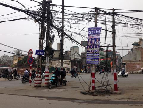 Công trình chào mừng 'khó đỡ' chỉ có ở Hà Nội