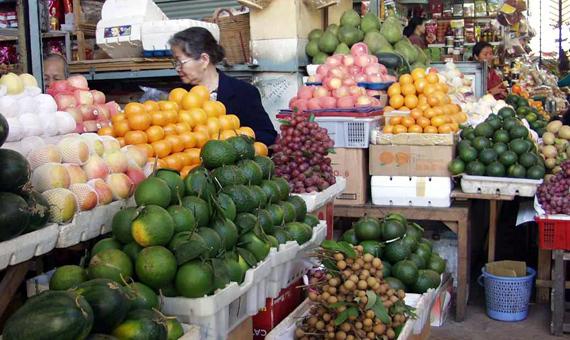 Đồ-ăn-chay, hoa-quả, khan-hiếm, rằm-tháng-riêng, lễ-chùa, tăng-giá, trái-cây