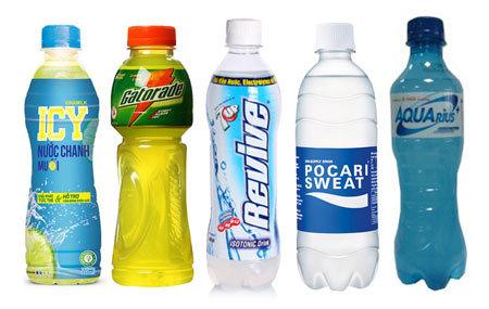Khỏe chuẩn: chọn nước tăng lực hay thức uống bổ sung ion?