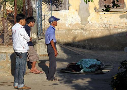 Nữ sinh treo cổ tự tử trước ngày lễ tình nhân