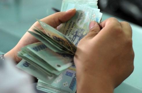 Nhân viên ngân hàng dắt dây tín dụng đen hại khách vay