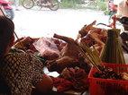 Truyền thống thịt chó: Tại sao người Việt phải cãi nhau?