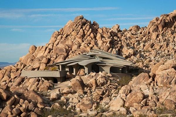 Biệt thự độc 3 triệu đô giữa sa mạc