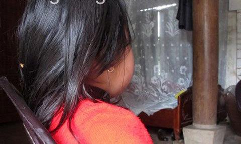 Rúng động vụ hai cha con xâm hại bé gái 6 tuổi