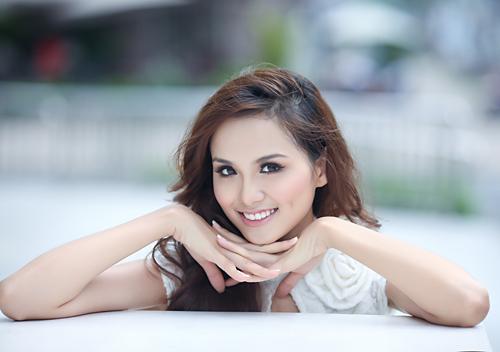 Hoa hậu Diễm Hương, ly dị
