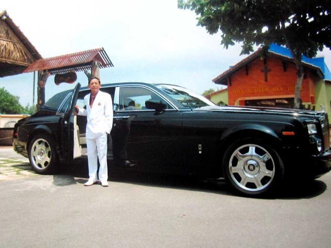 Chiếc Rolls Royce triệu đôla của ông Lê Ân. Đây là chiếc Roll Royce duy nhất ở tỉnh Bà Rịa - Vũng Tàu.