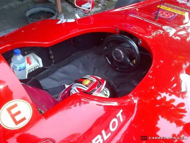 Siêu xe đua Ferrari F1 chế giá 90 triệu đồng