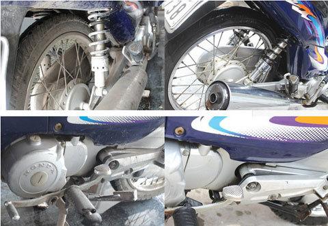 """Rửa xe máy tự động 'kiểu Việt Nam"""""""