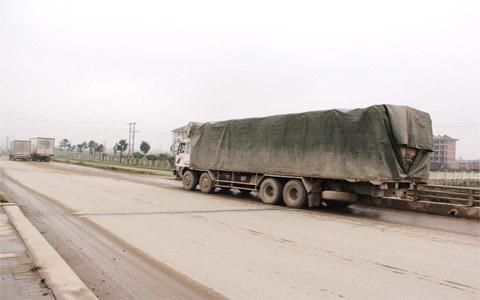 Đủ chiêu 'né' Thanh tra giao thông của xe quá tải