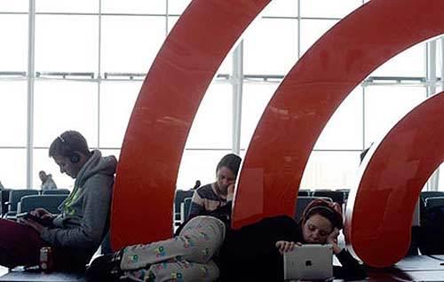 Tình báo Canada giám sát hành khách sử dụng Wi-fi tại sân bay