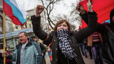 Crưm sáp nhập vào Nga: 3 câu hỏi lớn