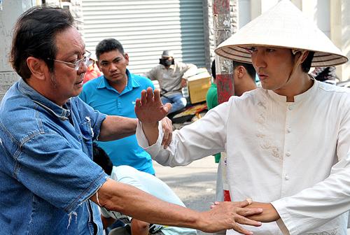 Diễn viên, Chánh Tín, 5 ngày, đuổi khỏi nhà
