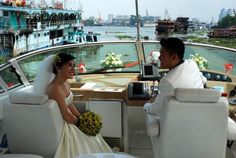 Du thuyền, ảnh cưới, rước dâu, Sài Gòn