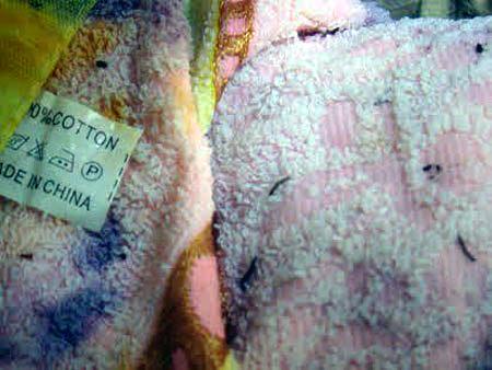 Big C bán thịt heo bệnh, khăn mặt đầy ấu trùng lạ