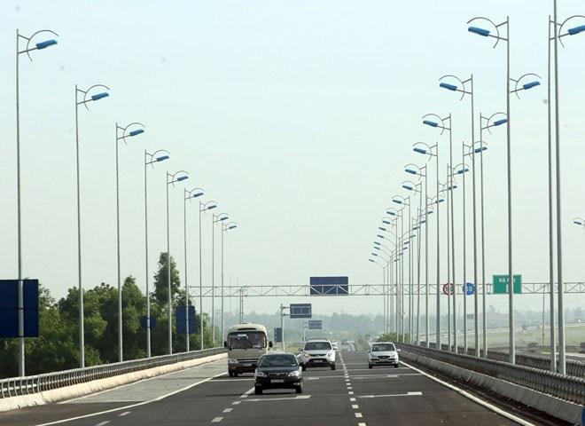 Đường cao tốc đắt vì tham nhũng và xã hội đen