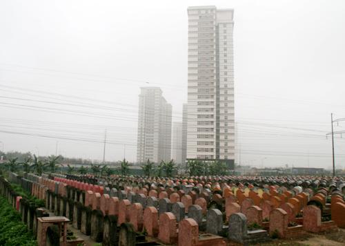 Đô thị khang trang, nghĩa trang ám mặt tiền