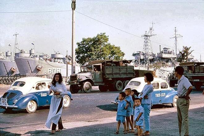Người Sài Gòn xưa kinh doanh taxi như thế nào?