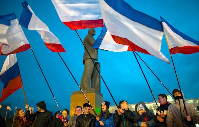 Crưm, Ukraina, sáp nhập, Nga, Putin, Obama, cấm vận, trừng phạt, cánh hữu, đảo chính