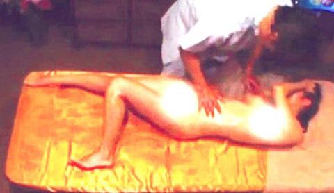 Chồng cho vợ đi mát xa kích dục rồi lên mạng khoe 4