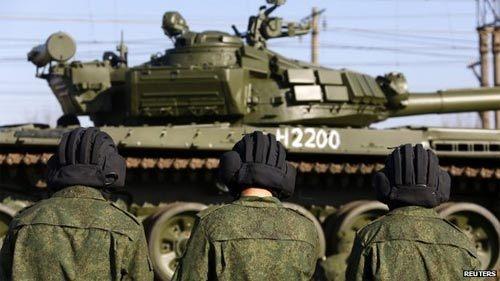 Nga triệu hồi đại sứ ở NATO, bắt 25 người Ukraina