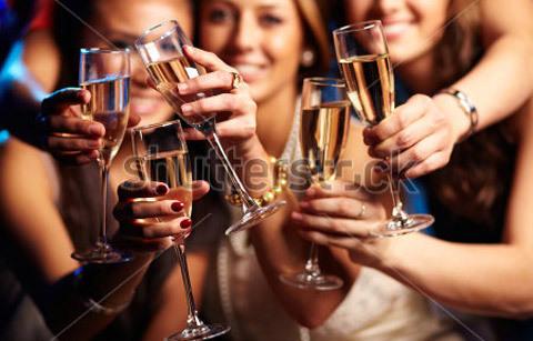 showbiz Việt, tiếp thị rượu, scandal, người mẫu, hoa hậu