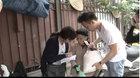 Thiếu gia Hà Nội đi ô tô xin gạo cho người nghèo