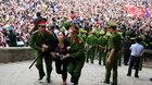 Nhiều người ngất xỉu vì chen lấn ở lễ hội Đền Hùng