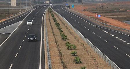 Người dân mong đợi gì từ cao tốc Hà Nội- Lào Cai?
