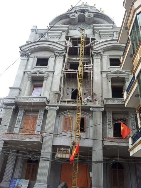 Sự thật 'mạ vàng' xa xỉ lâu đài đại gia Việt