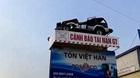 Cận cảnh biển báo giao thông 'siêu độc' ở xứ Nghệ