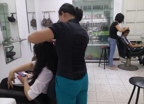 Nghề độc 'bới đen tìm trắng' kiếm bạc triệu ở Hà Nội