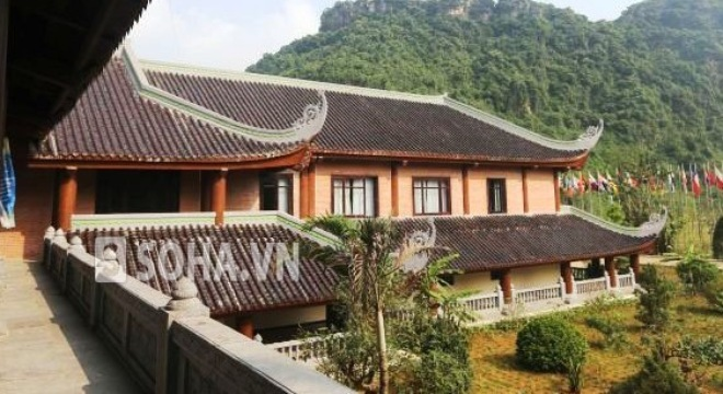 Tỷ phú Xuân Trường xây nhà khách Bái Đính toàn gỗ quý