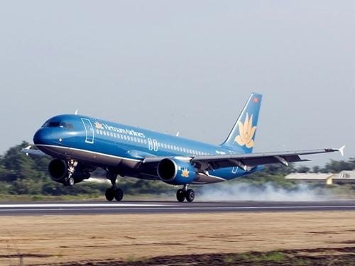 Động cơ phát lửa, máy bay Vietnam Airlines dừng khẩn cấp
