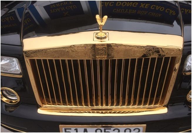 Cận cảnh Rolls-Royce Phantom Rồng mạ vàng 'made in Viet Nam'