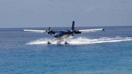 Hình ảnh thủy phi cơ Việt Nam luyện tập trên biển