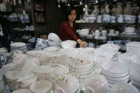 Cốc-giấy, cốc-nhựa, hàng-Tàu, Trung-Quốc, nhiễm-độc, chất-lạ, nhiễm-chì, thủy-tinh, chất-độc, đĩa-sứ, đồ-gốm, ưng-thư