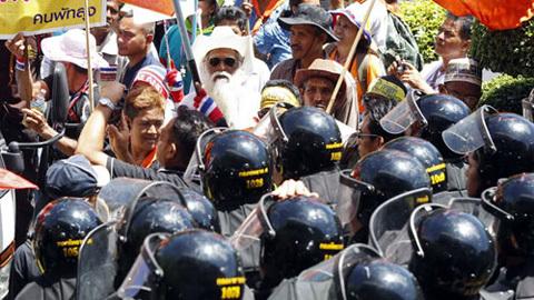 Thái Lan, Bangkok, biểu tình, bạo động, trốn chạy