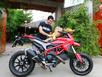 Johnny Trí Nguyễn tậu xe Ducati giá hơn 400 triệu